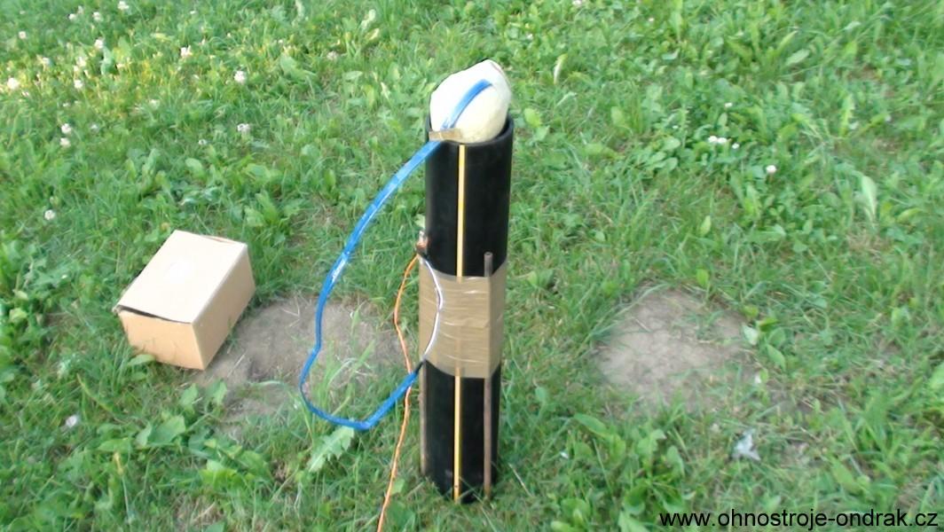 Samostatný moždíř a kulová puma 100 mm