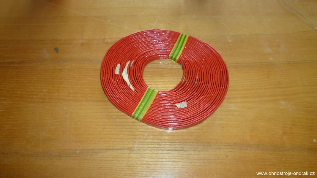 Komunikační trubice může mít i červenou barvu